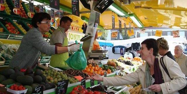le-concours-de-beaute-des-etals-fruits-et-legumes